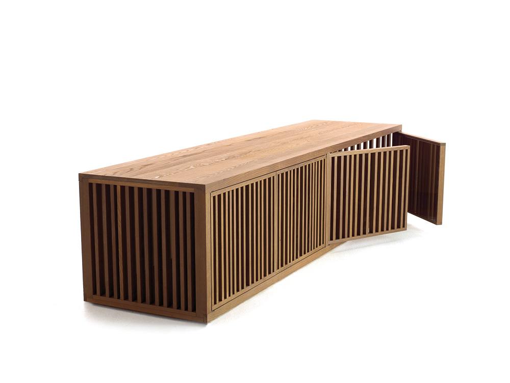sideboard aus massivem holz auf. Black Bedroom Furniture Sets. Home Design Ideas