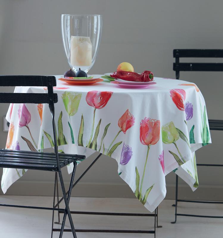 Castello Wohndesign: Tischdecke Mit Tulpen-Motiv Von Apelt Auf DECO.de