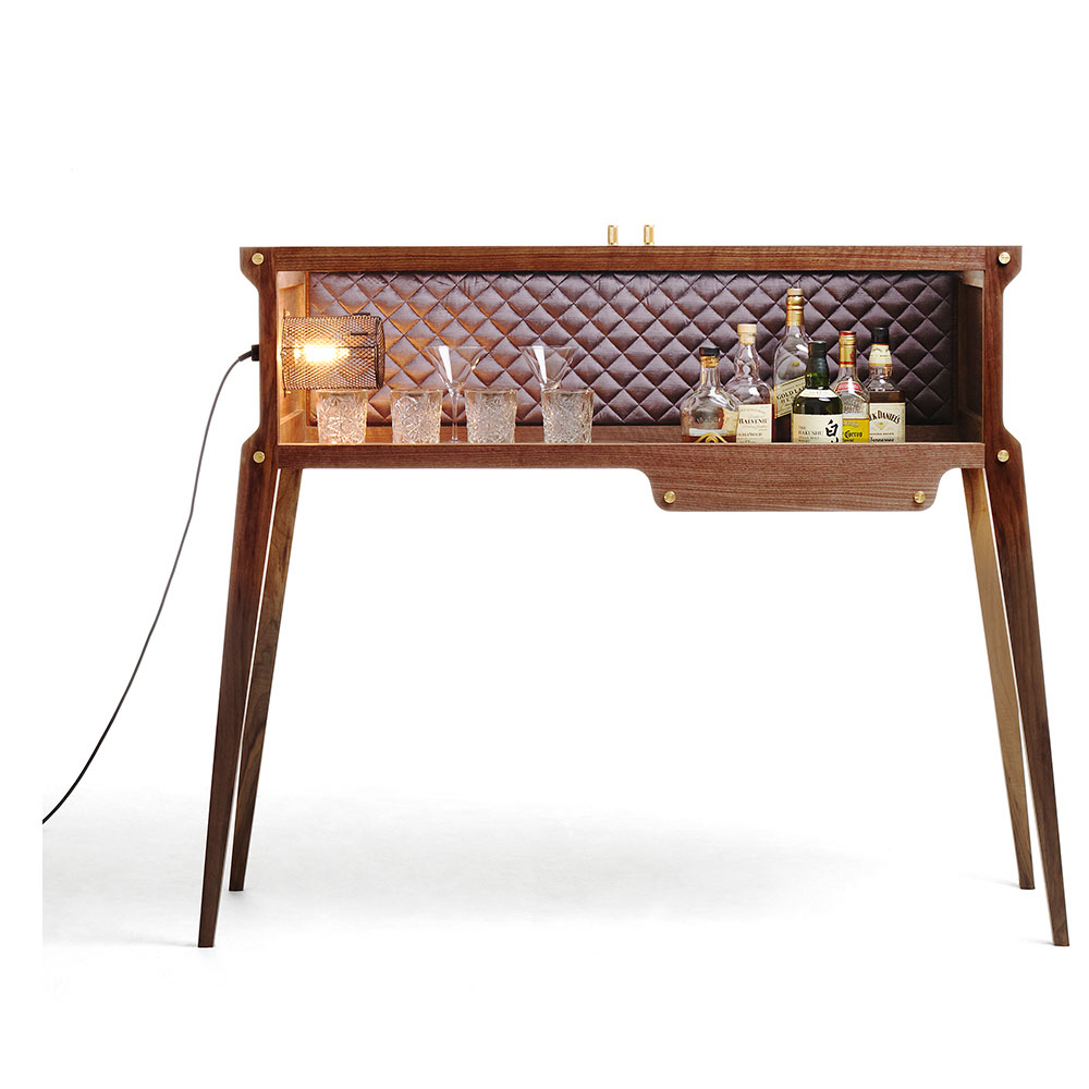 whisky bar the rockstar von buster and punch auf. Black Bedroom Furniture Sets. Home Design Ideas