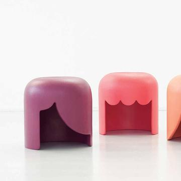 Hocker PLAYMOBILIA von Tania da Cruz