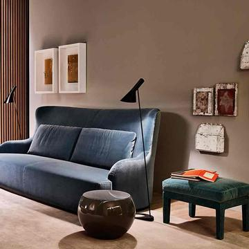 Sofa DUKE FIT und Hocker FOSTER SOFT von Meridiani