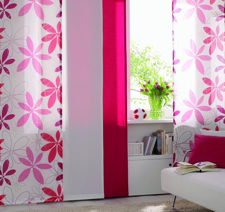 pinke bl ten auf. Black Bedroom Furniture Sets. Home Design Ideas