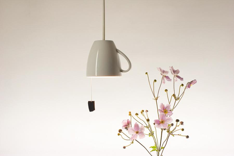 teetassen lampe von das rote paket auf. Black Bedroom Furniture Sets. Home Design Ideas