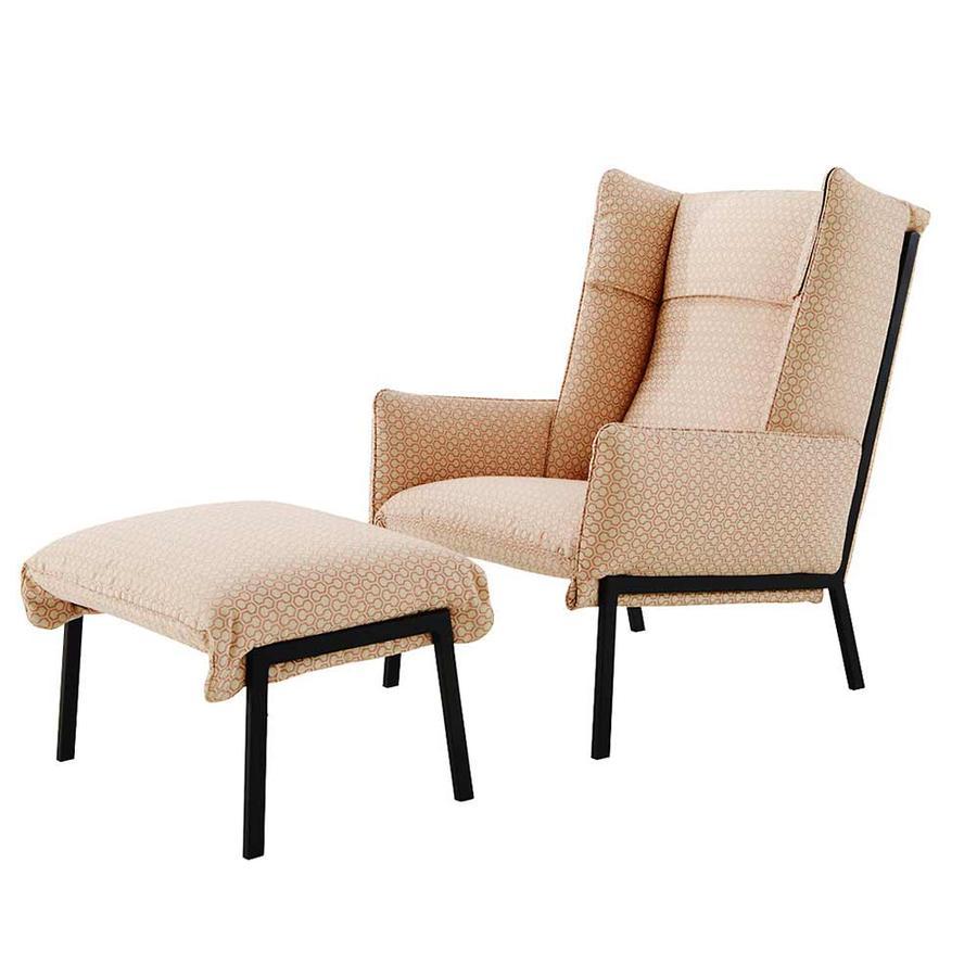 Sessel und Hocker TOA von Ligne Roset auf DECO